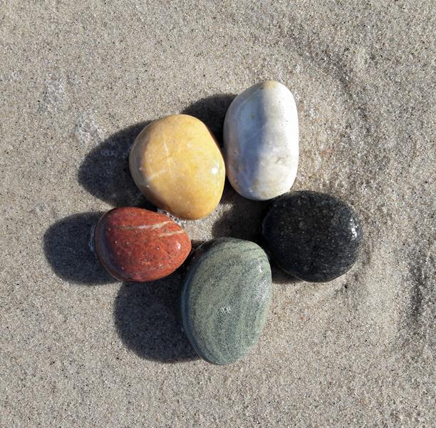 Fünf Elemente Stein